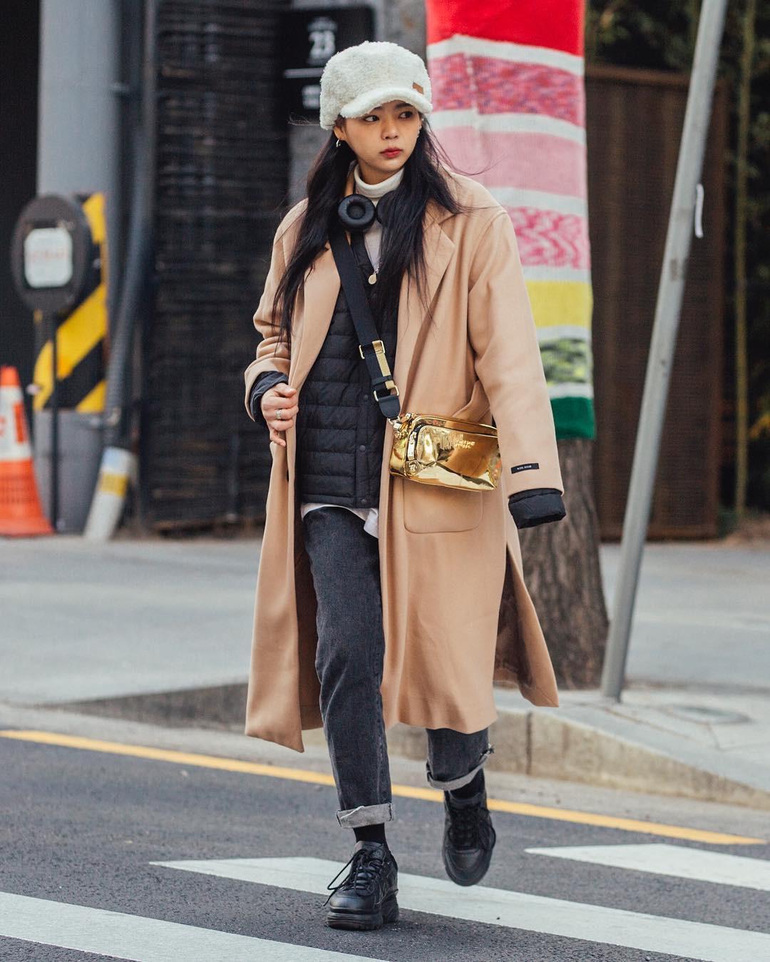 Mê phong cách đơn giản, bụi bặm hay chanh xả, bạn cũng sẽ bỏ túi được cả rổ gợi ý từ street style tuần qua của giới trẻ Hàn - Ảnh 2.