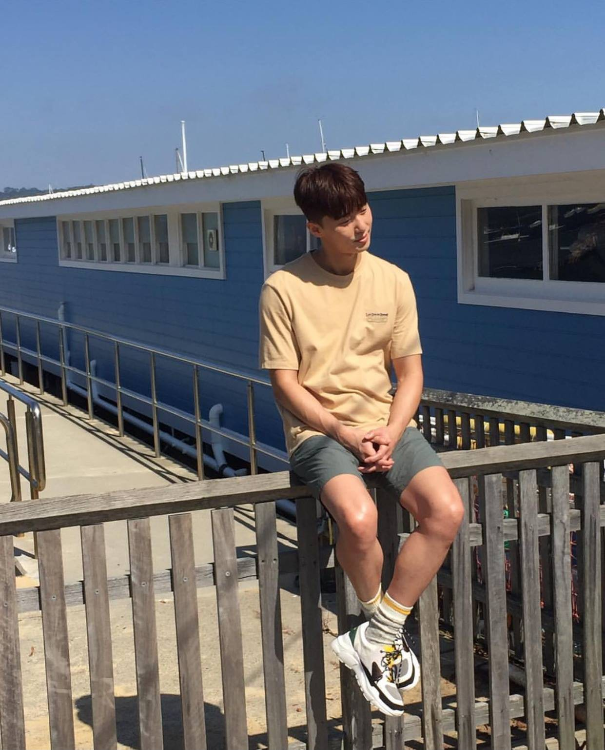 Chuyện đáng yêu nhất hôm nay: Bác Tây chụp lén trai đẹp ở Úc, sau tá hỏa vì phát hiện chàng là tài tử Park Seo Joon - Ảnh 3.