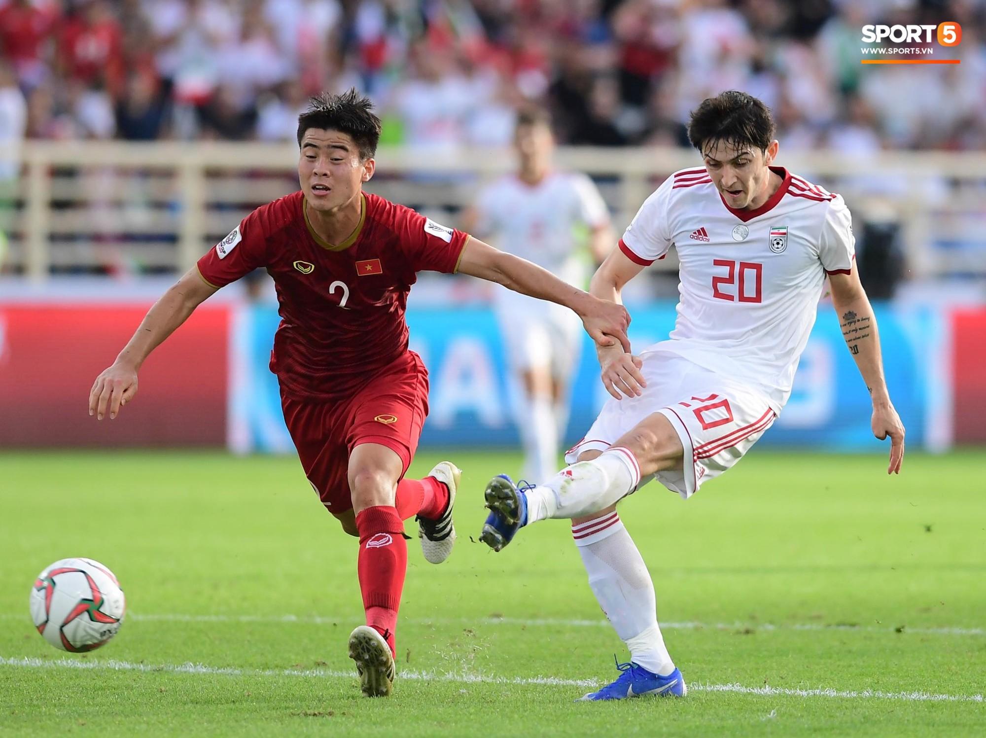 Mạnh gắt bị treo giò vì thẻ phạt sau trận thua Iran - Ảnh 2.