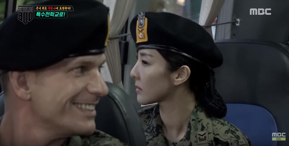 Các thánh hack tuổi Kpop khoe mặt mộc trên show thực tế: Không phải dạng vừa đâu - Ảnh 3.