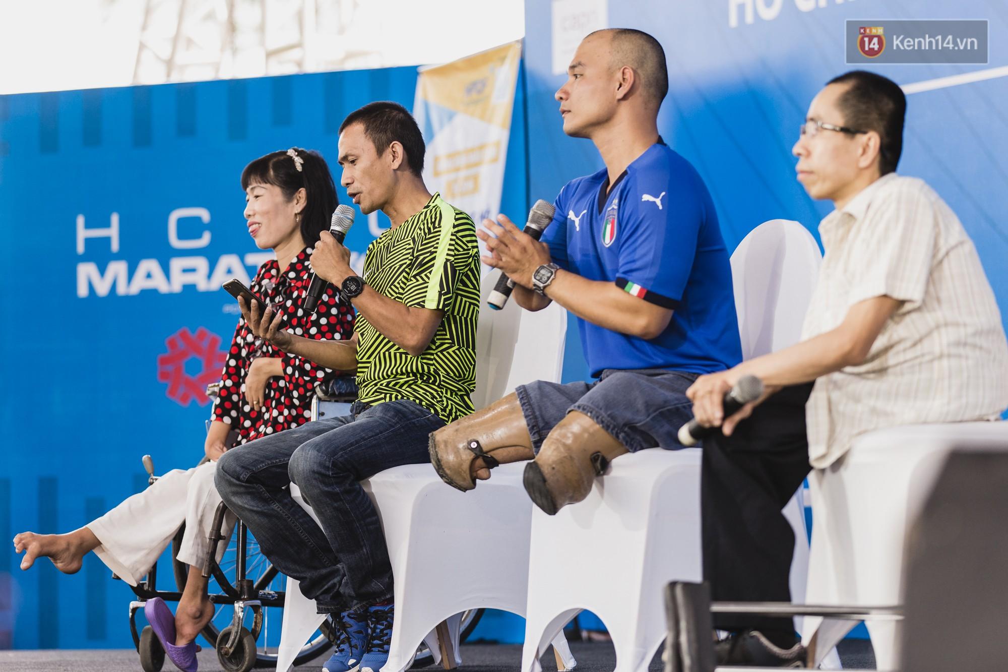 Những khoảnh khắc xúc động trong chương trình Giao lưu với người khuyết tật ở Sài Gòn - Ảnh 1.