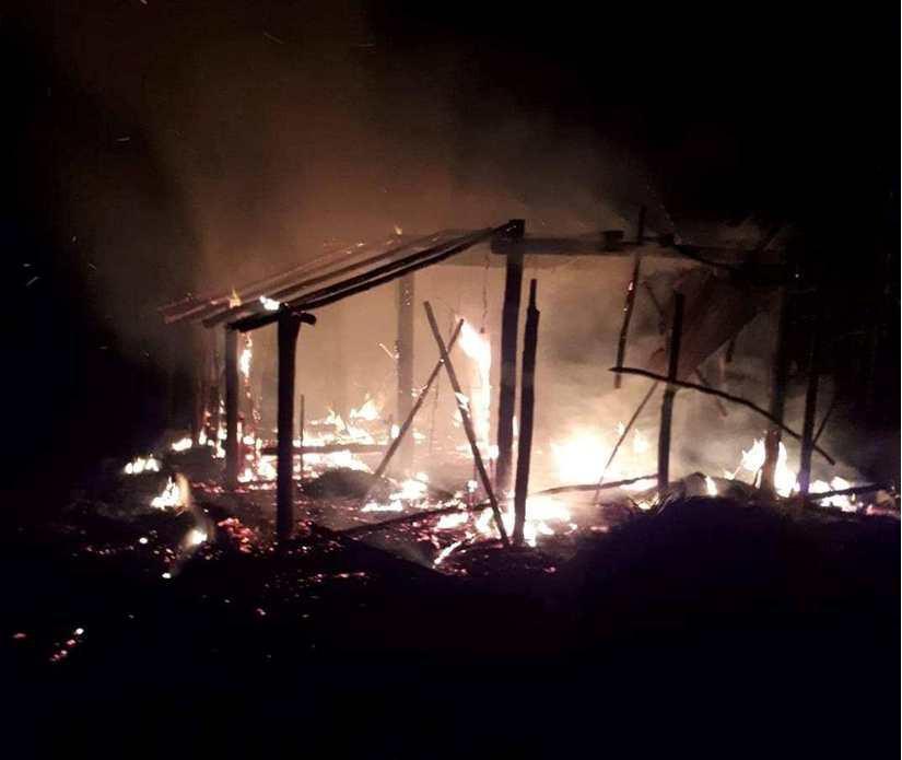 Tivi phát nổ, thiêu rụi căn nhà của hai vợ chồng nghèo tại Quảng Trị - Ảnh 1.