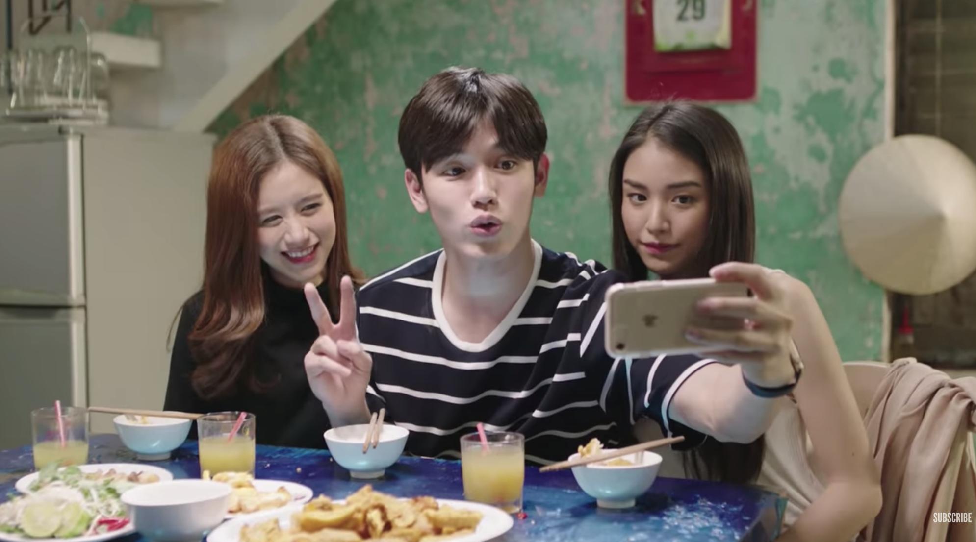 Jun Vũ bất ngờ xuất hiện liếc mắt đưa tình với HLV gốc Việt của The Face trong trailer phim Thái - Ảnh 7.