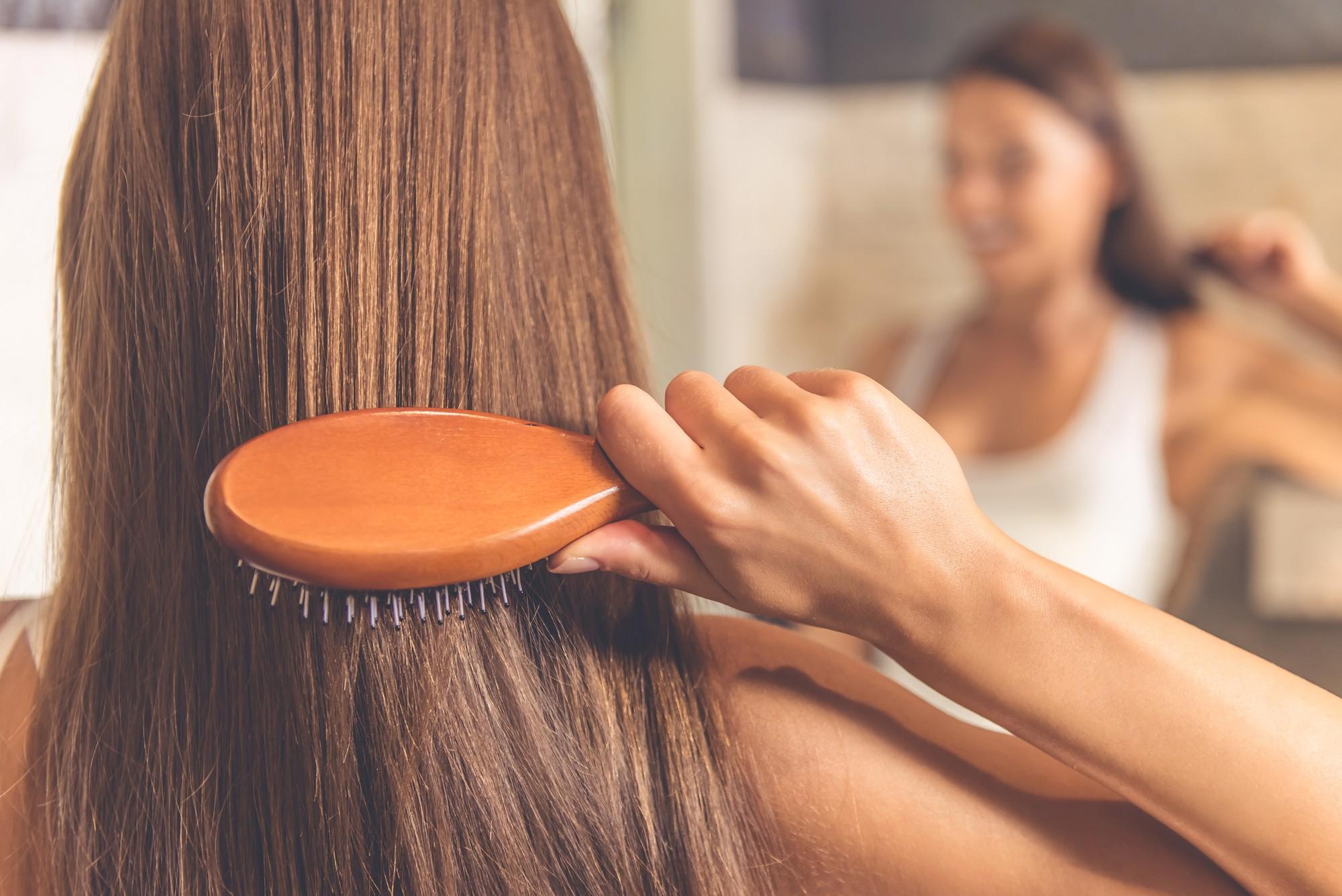 Mùa đông tóc cứ bết bệt khó chịu thì đây là những giải pháp hiệu quả để xử lý chúng - Ảnh 2.