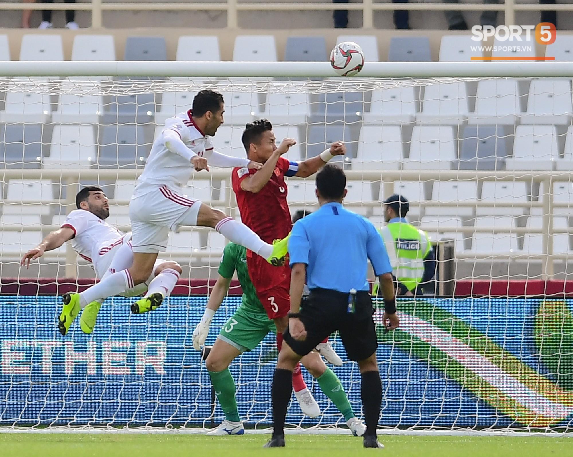 Thua Iran nhưng tinh thần quả cảm của các chàng trai Việt Nam đã đánh cắp trái tim fan quốc tế - Ảnh 1.