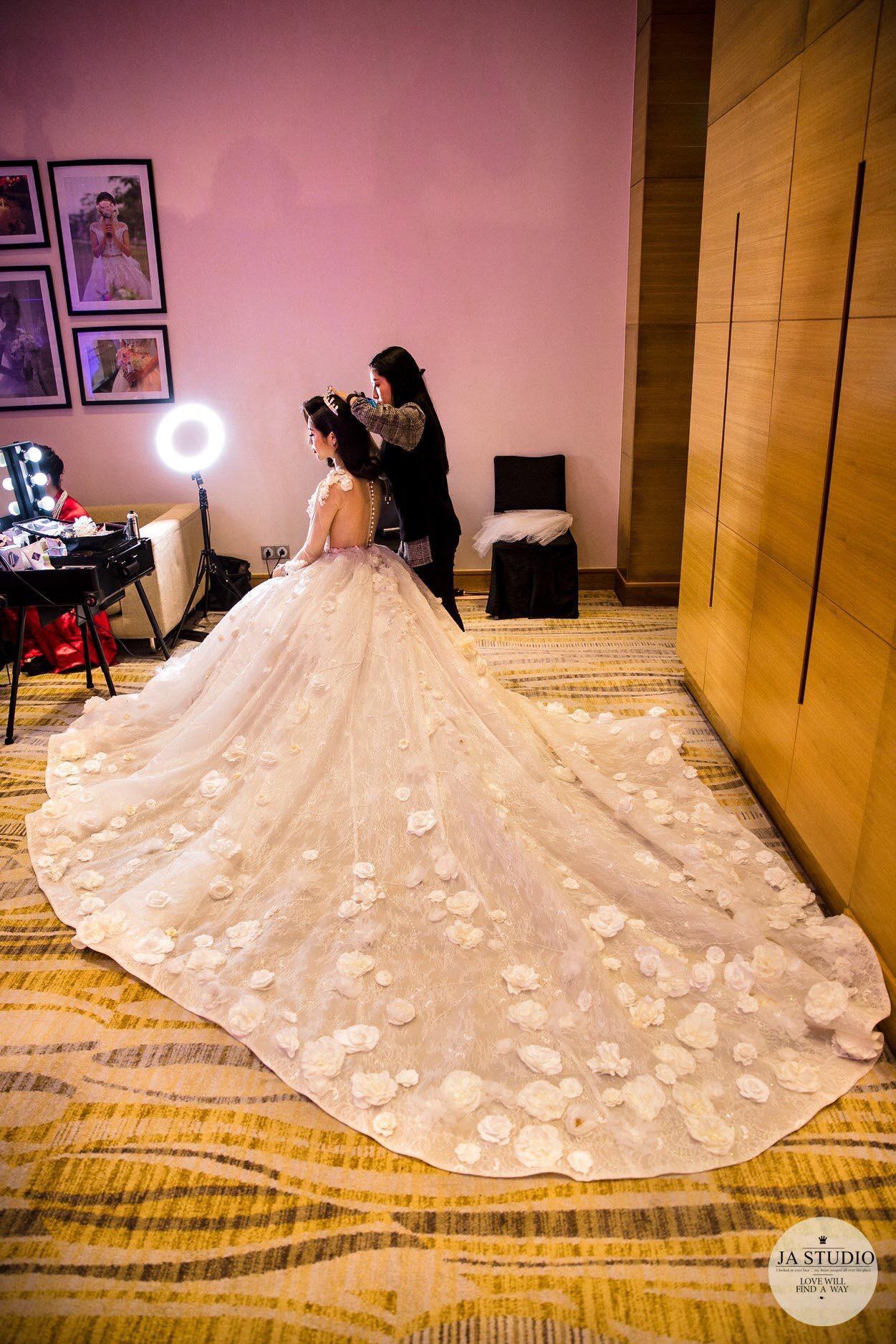 Chùm ảnh: Vân Navy hạnh phúc rưng rưng trong đám cưới với bạn trai doanh nhân - Ảnh 3.