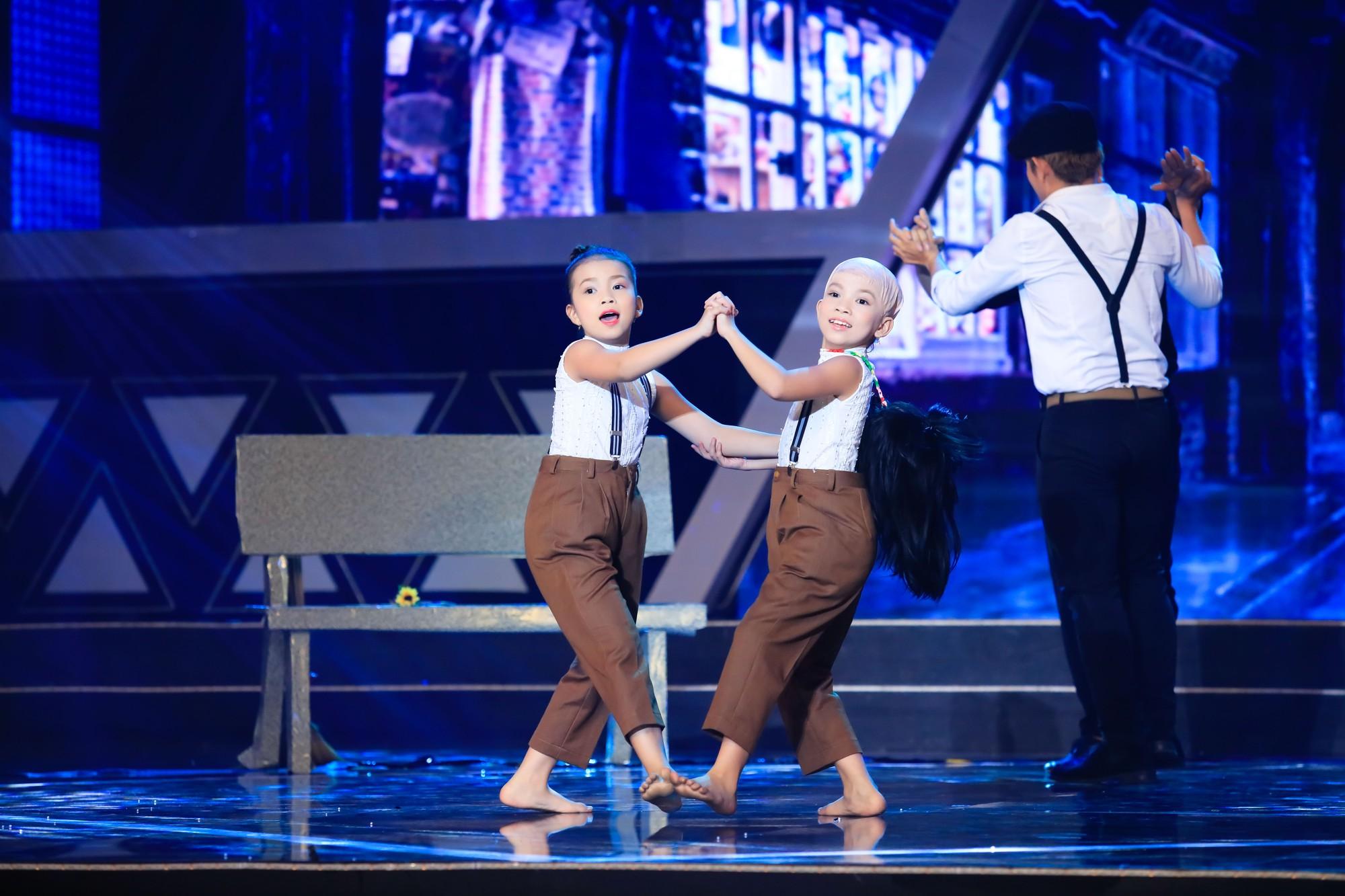 Phạm Lịch ngậm ngùi nhớ lại cảnh từng bị ném gạch khi đang biểu diễn - Ảnh 3.