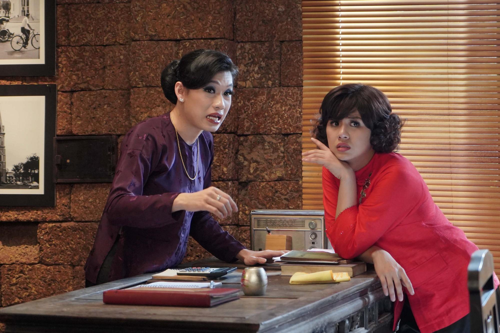Duy Khánh và Quang Trung Tết này rủ nhau trở thành 2 bà cô vừa già, vừa ế vừa khó tính trong web drama Bà 5 Bống - Ảnh 1.