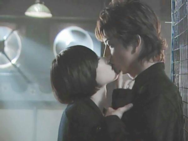 Hóa ra điện ảnh Nhật cũng có những chuyện tình ngang trái, bị cấm đoán đến lạ kỳ - Ảnh 1.