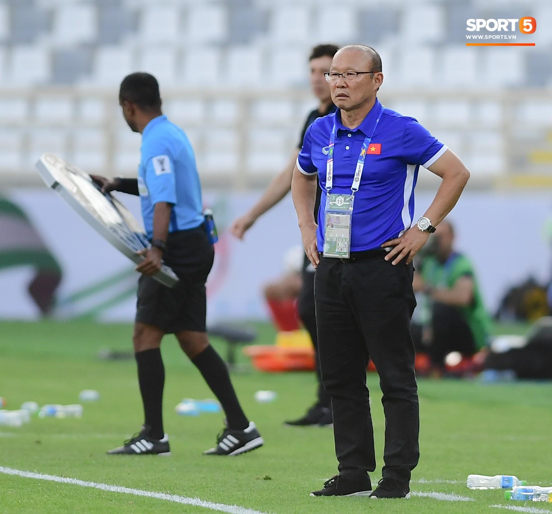 Nếu Công Phượng xử lý nhanh hơn, Duy Mạnh đã không lỡ hẹn trận đấu cuối cùng ở vòng bảng Asian Cup 2019 - Ảnh 6.