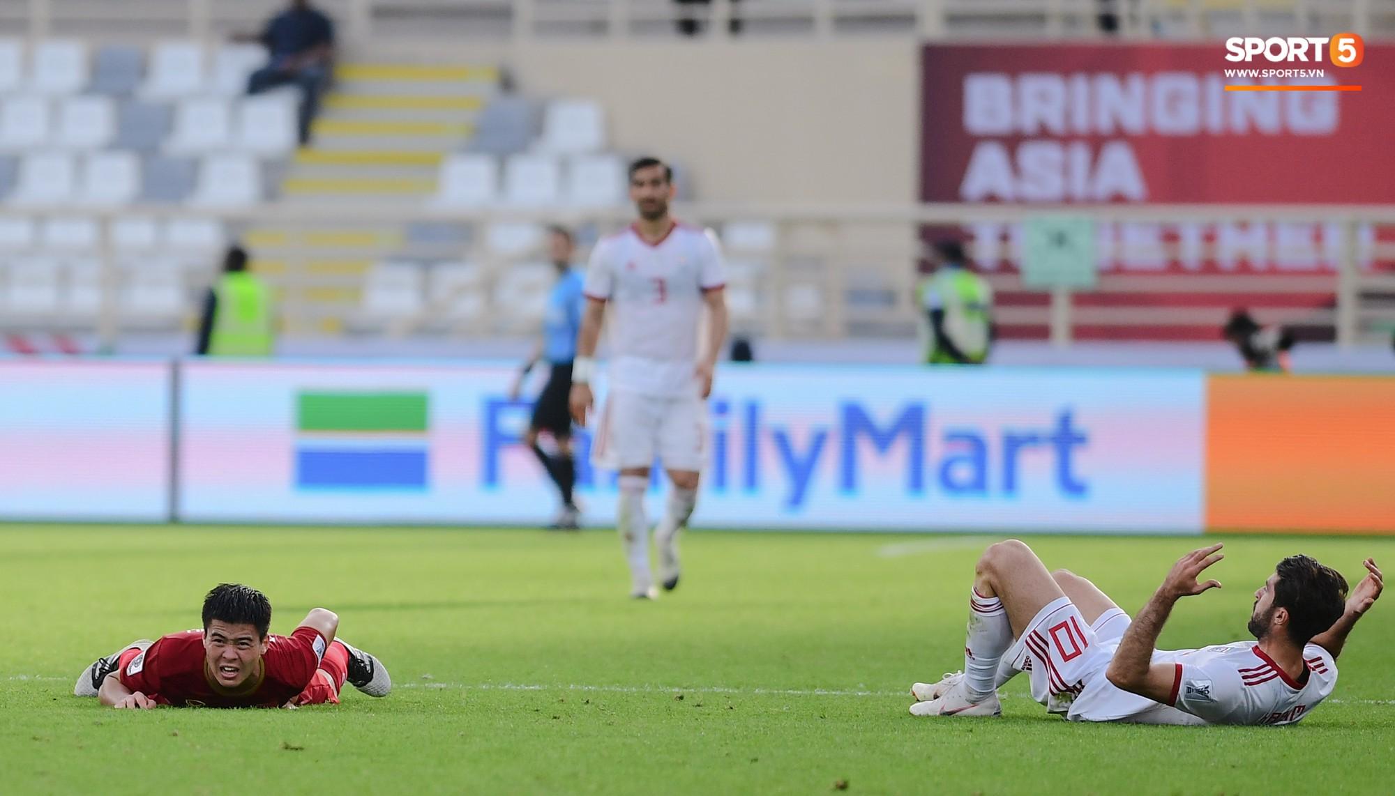Nếu Công Phượng xử lý nhanh hơn, Duy Mạnh đã không lỡ hẹn trận đấu cuối cùng ở vòng bảng Asian Cup 2019 - Ảnh 4.
