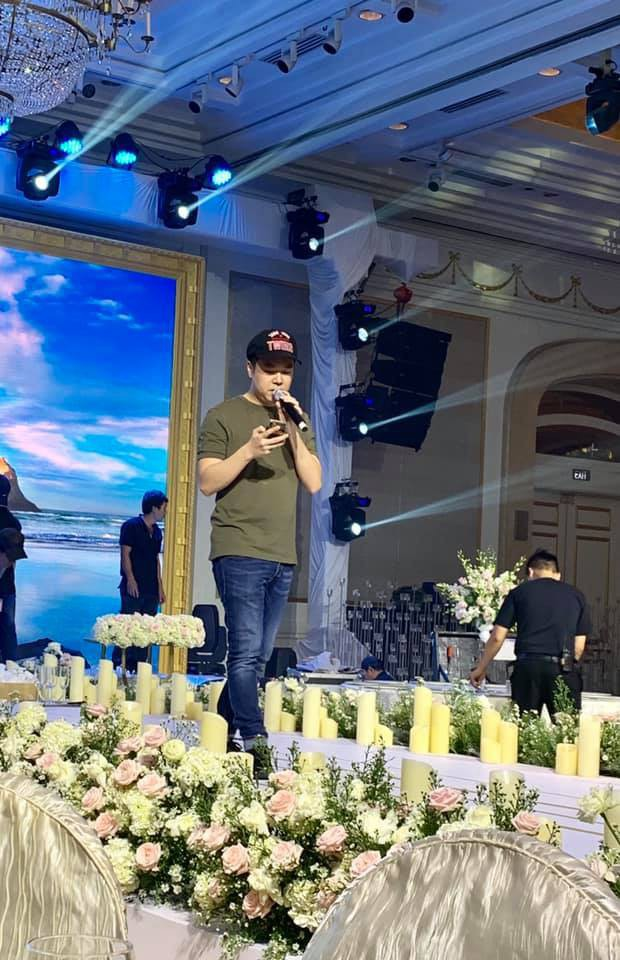 Hé lộ không gian cưới sang trọng của ca sĩ Lê Hiếu và bà xã Thu Trang - Ảnh 16.