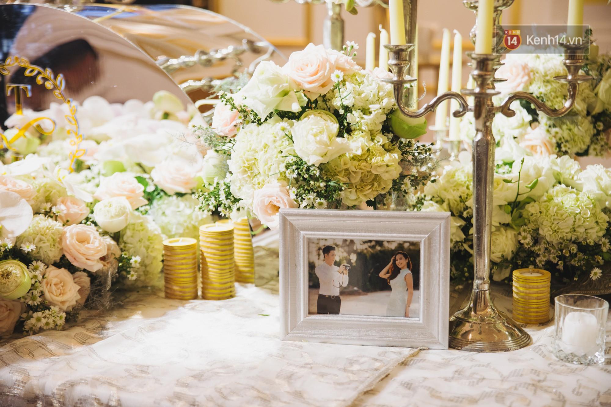 Hé lộ không gian cưới sang trọng của ca sĩ Lê Hiếu và bà xã Thu Trang - Ảnh 2.