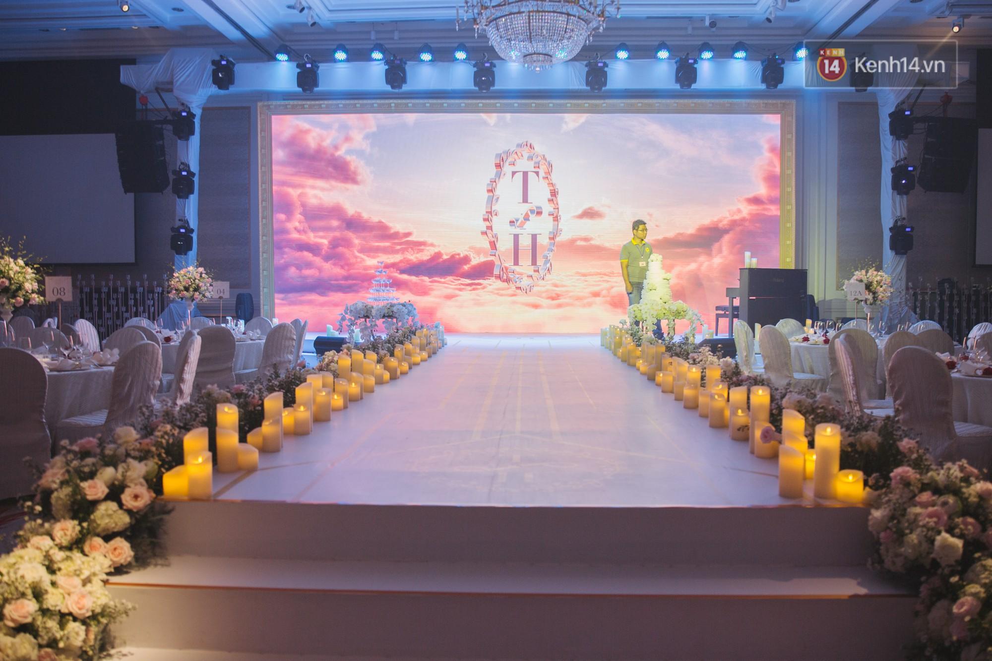 Hé lộ không gian cưới sang trọng của ca sĩ Lê Hiếu và bà xã Thu Trang - Ảnh 13.