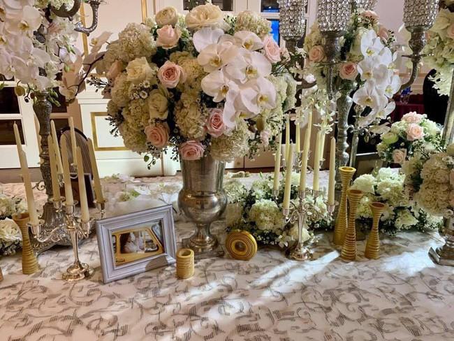 Lê Hiếu đã có mặt tại địa điểm tổ chức đám cưới, tất bật tập duyệt cho tiết mục đặc biệt trong hôn lễ tối nay - Ảnh 2.
