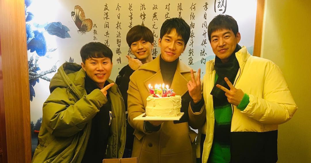 Lee Seung Gi đón sinh nhật tại phim trường bom tấn 500 tỉ, đặc biệt Suzy, Sungjae và dàn sao đình đám góp mặt - Ảnh 5.
