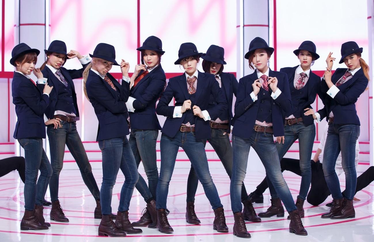 Thú nhận không muốn hoạt động solo, netizen nghi ngờ Jessica bị SNSD chèn ép - Ảnh 1.