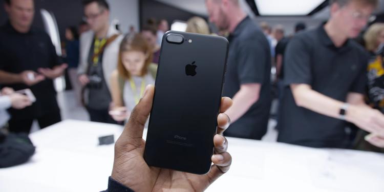 Màu sắc đẹp nhất của iPhone bị chính Apple khai tử 3 năm rồi, liệu bạn có nhận ra? - Ảnh 2.