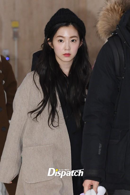 Màn đọ sắc siêu khủng: Jennie chiếm spotlight của 2 nữ thần Jisoo, Irene nhờ vòng 1 khủng, BTS khoe style cực chất - Ảnh 12.