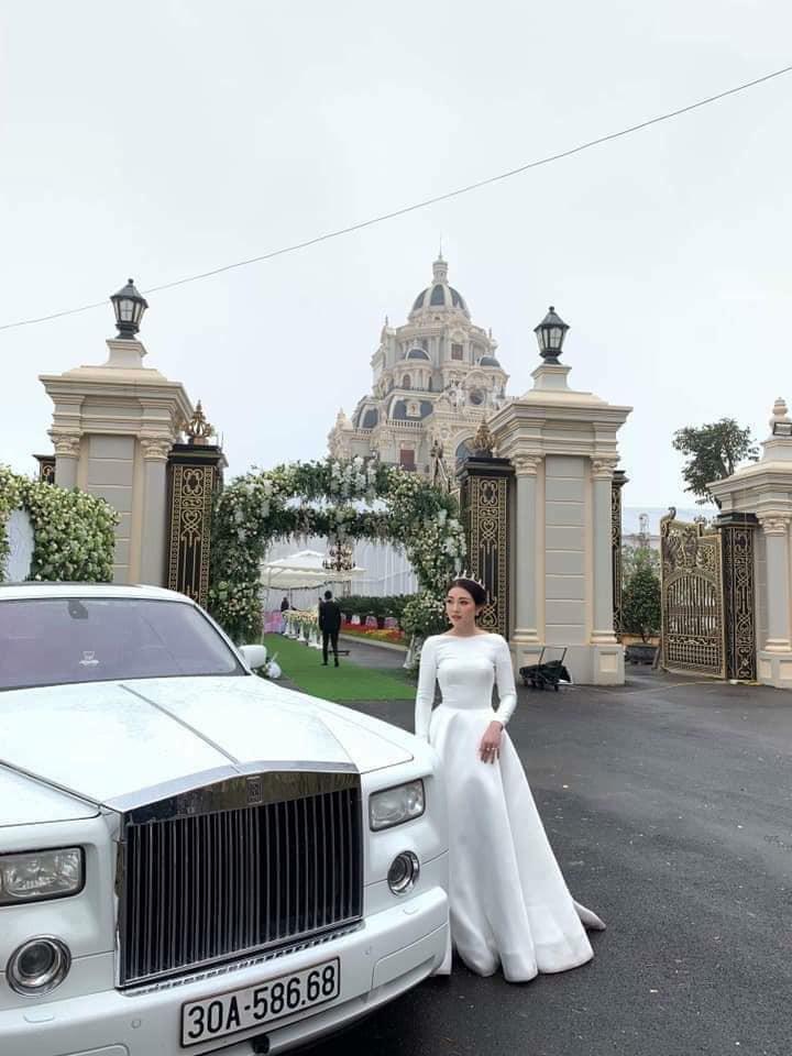 Bộ ảnh cưới đẹp như mơ cùng gia thế khủng của cô dâu vàng đeo trĩu cổ sống trong lâu đài 7 tầng ở Nam Định - Ảnh 3.