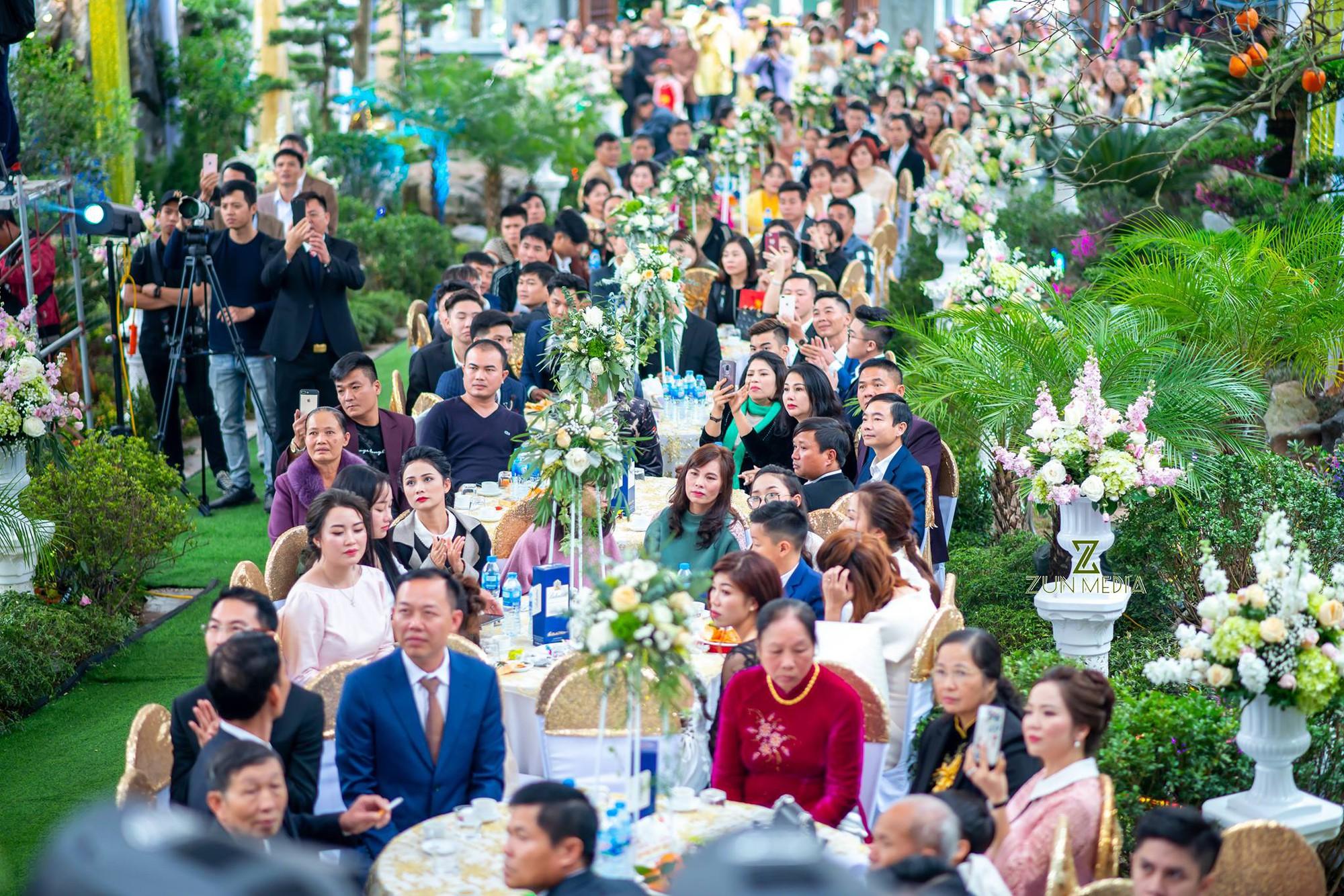 Bộ ảnh cưới đẹp như mơ cùng gia thế khủng của cô dâu vàng đeo trĩu cổ sống trong lâu đài 7 tầng ở Nam Định - Ảnh 9.