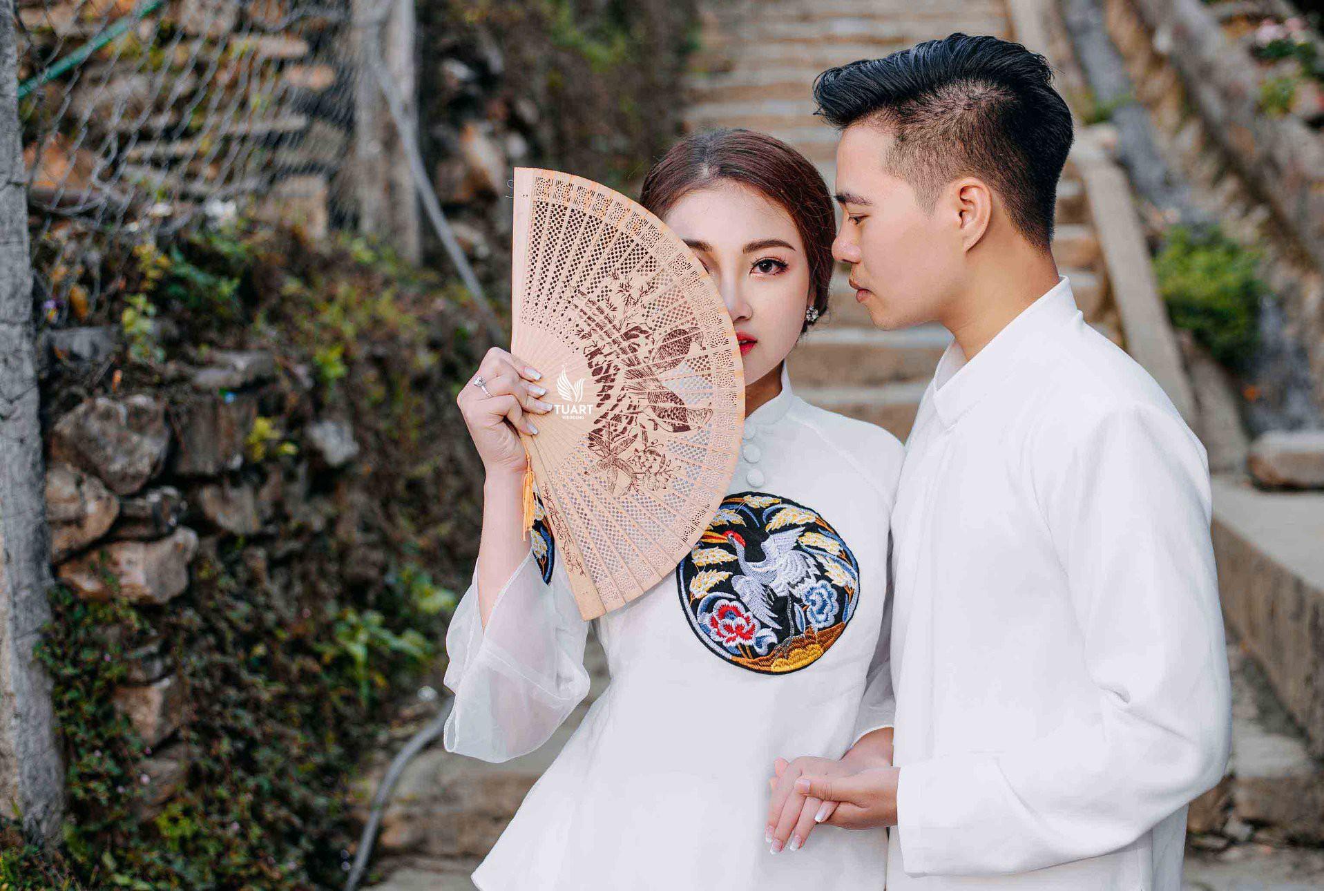 Cô dâu vàng đeo trĩu cổ sống trong lâu đài 7 tầng ở Nam Định: Bố mẹ cho 200 cây vàng, 2 sổ đỏ và rước dâu bằng Rolls-Royce Phantom 35 tỷ - Ảnh 10.