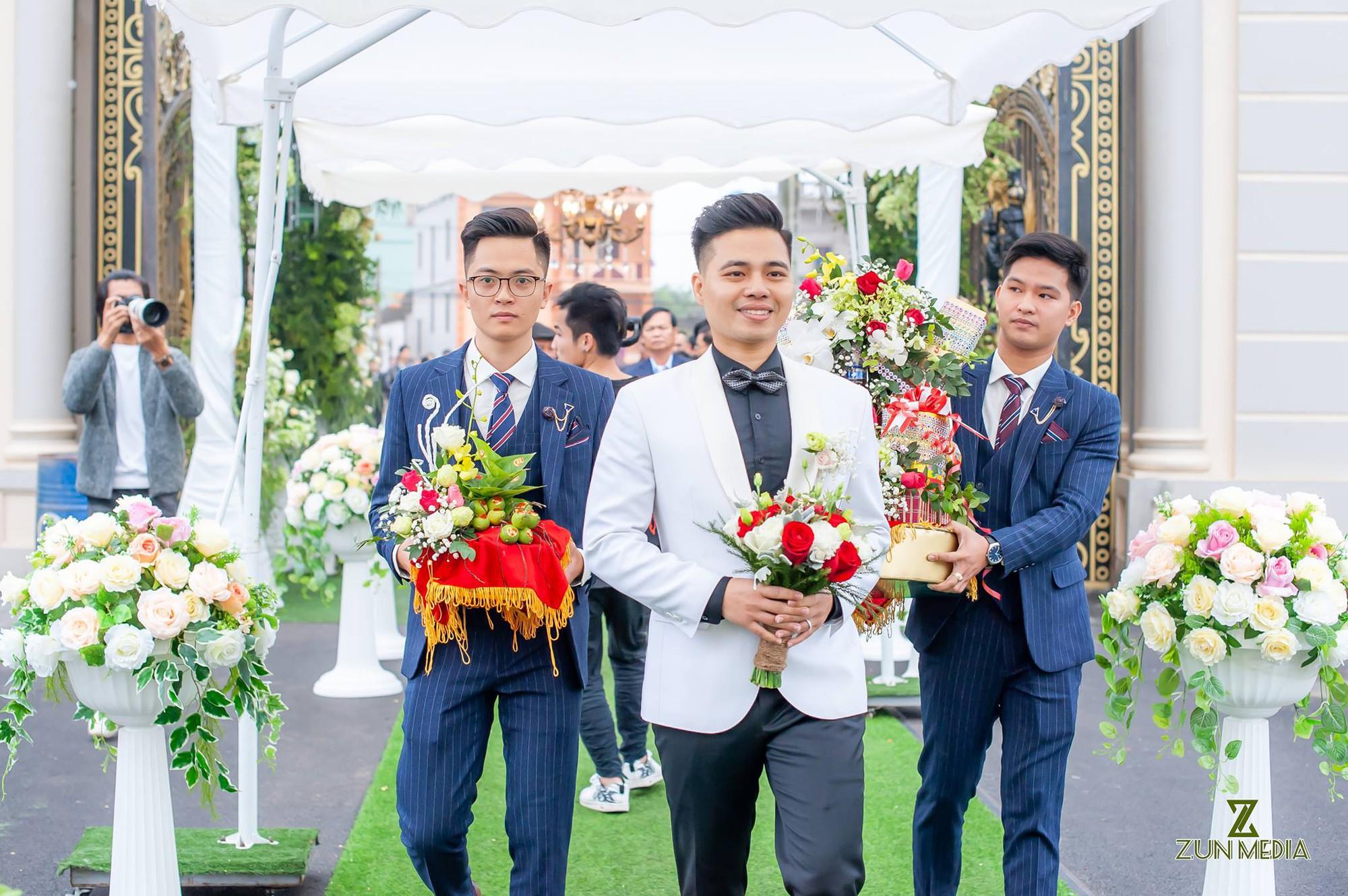 Bộ ảnh cưới đẹp như mơ cùng gia thế khủng của cô dâu vàng đeo trĩu cổ sống trong lâu đài 7 tầng ở Nam Định - Ảnh 5.