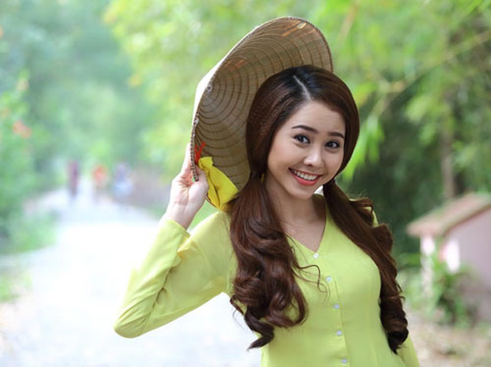 4 trai tài gái sắc gây thương nhớ trên màn ảnh Việt mỗi mùa Tết đến - Ảnh 1.