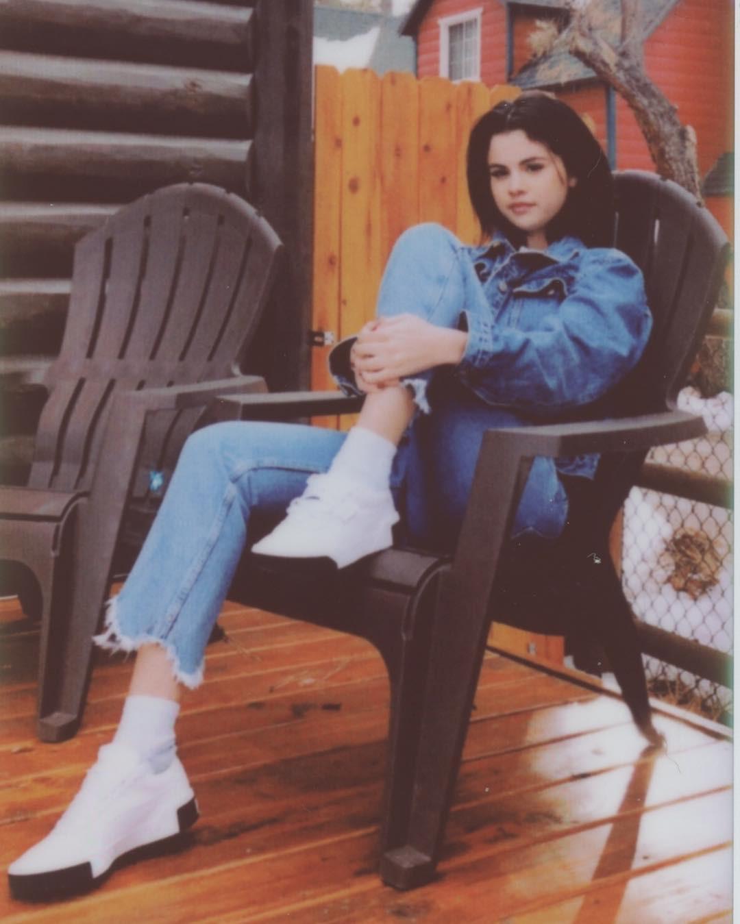 Đi điều trị tâm thần, Selena Gomez bất ngờ tìm được người yêu mới đẹp trai hơn cả Justin Bieber? - Ảnh 4.