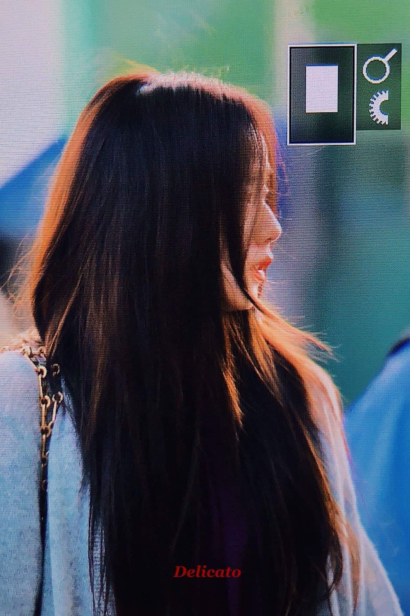Quên đi ồn ào của Jennie, dân tình đang bị hớp hồn vì nhan sắc thánh thần cũng phải mê mẩn của Jisoo hôm nay - Ảnh 7.