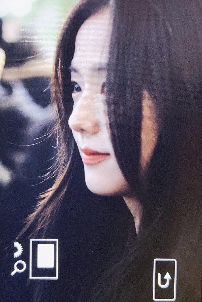 Quên đi ồn ào của Jennie, dân tình đang bị hớp hồn vì nhan sắc thánh thần cũng phải mê mẩn của Jisoo hôm nay - Ảnh 6.