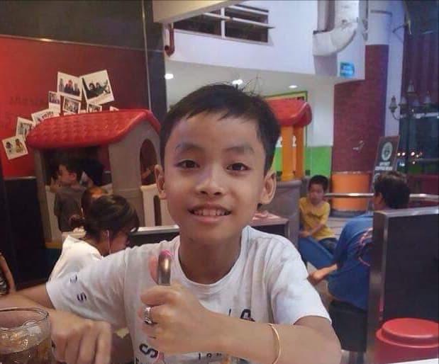 Bé trai 12 tuổi mất tích bí ẩn cùng dòng tin nhắn kỳ lạ gửi về cho mẹ - Ảnh 1.