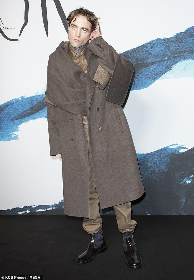Từng đẹp trai nhất thế giới, Robert Pattinson bỗng kém sắc tới mức bị chê trông như kẻ giết người cuồng loạn - Ảnh 2.