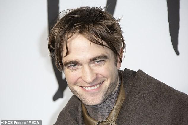 Từng đẹp trai nhất thế giới, Robert Pattinson bỗng kém sắc tới mức bị chê trông như kẻ giết người cuồng loạn - Ảnh 5.