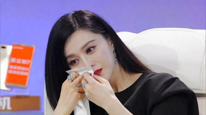 Showbiz Hoa ngữ 2018: Drama ngợp trời từ mùng 1 tới 31, thị phi tình - tiền bủa vây sao lớn sao nhỏ - Ảnh 5.