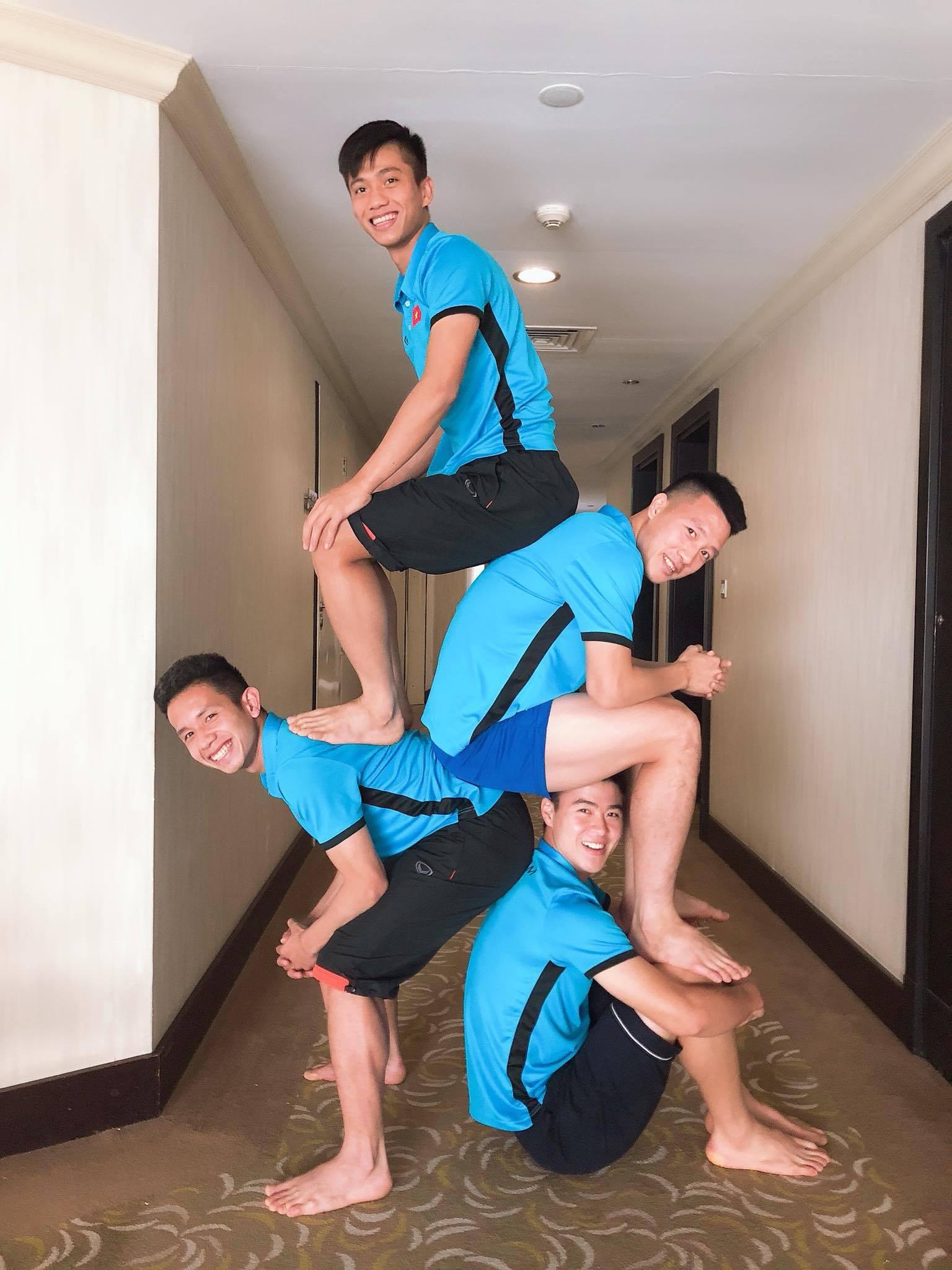 Đu trend giỏi nhất hiện nay không ai khác chính là các hot cầu thủ đội tuyển bóng đá Việt - Ảnh 1.