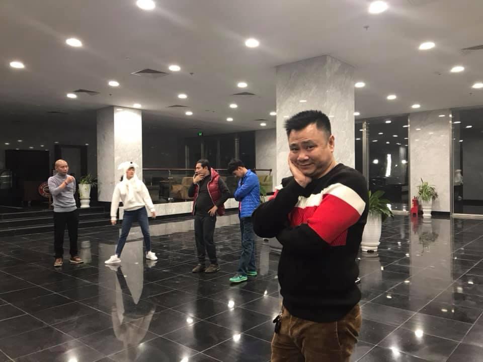 Hé lộ clip hậu trường tập luyện Táo Quân 2019 đầy sôi nổi, gấp rút của dàn nghệ sĩ miền Bắc - Ảnh 2.