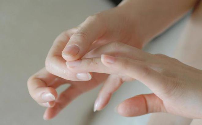 Móng tay có những biểu hiện này rất dễ kéo theo nhiều vấn đề sức khỏe nguy hại mà bạn không nên coi thường - Ảnh 4.