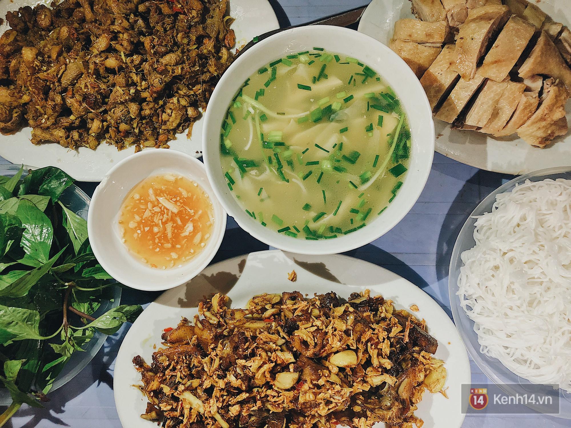 Đây chính là món ăn đang nổi được giới trẻ Hà Nội thi nhau check-in ầm ầm trong mùa này - Ảnh 1.