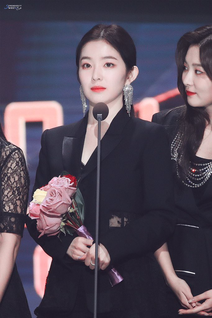 """SMA ended up nearly a week after being in love with Irene (red velvet)'s """"mature female beauty""""."""