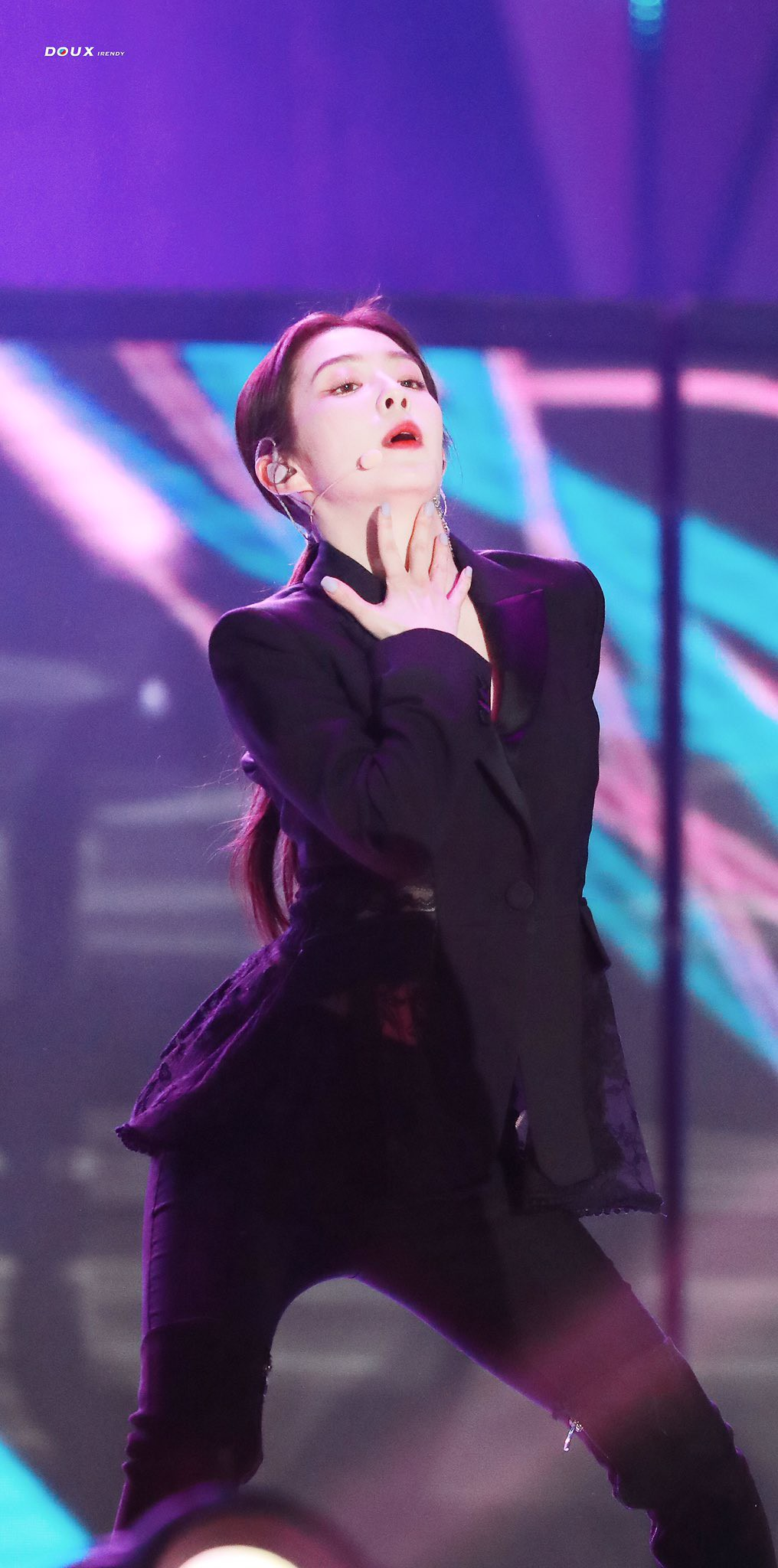 """When Irene (Red Devil)'s """"mature woman"""" was still in touch, SMA ended the week ending. - Photos 6."""