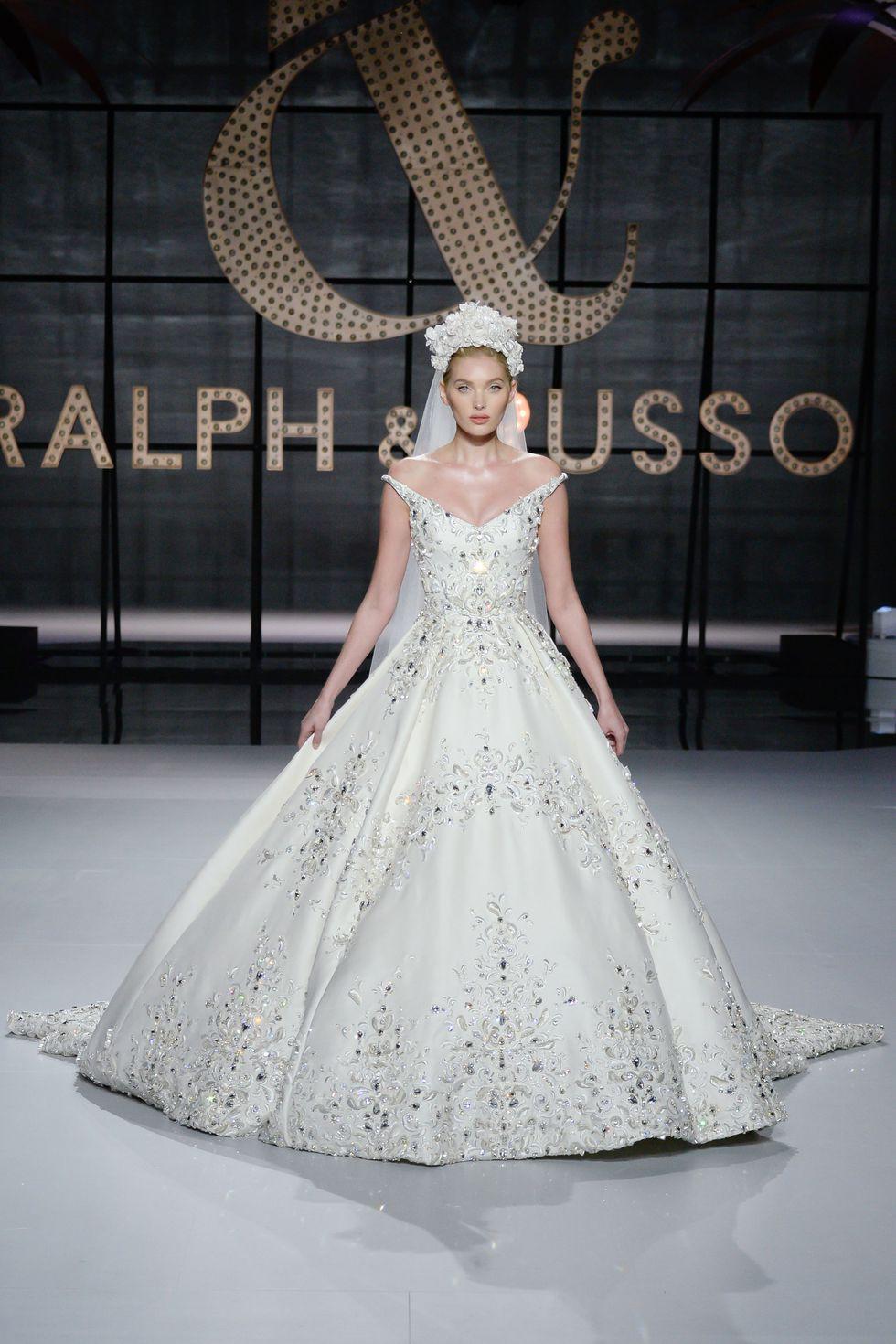 Lộ diện ứng viên váy cưới vạn người mê của năm 2019: đồ Haute Couture xa hoa khó cưỡng, có thể biến mọi cô dâu thành bà hoàng - Ảnh 2.