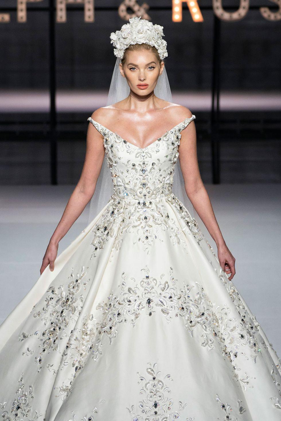 Lộ diện ứng viên váy cưới vạn người mê của năm 2019: đồ Haute Couture xa hoa khó cưỡng, có thể biến mọi cô dâu thành bà hoàng - Ảnh 3.