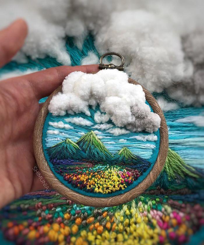 Nghệ sĩ Nga thêu 3D tài tình đến mức cảnh vật như muốn nhảy ra khỏi khung tranh - Ảnh 1.
