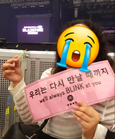 Jenny proved that the anti-karma is real: unconsciously gives antiphan gifts to her fan - picture 5.