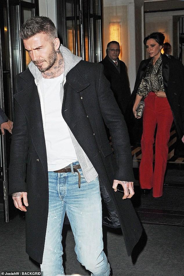 Vợ chồng Beckham xuất hiện sang chảnh ngút ngàn trên phố, không hổ danh cặp đôi đẳng cấp nhất thế giới! - Ảnh 4.