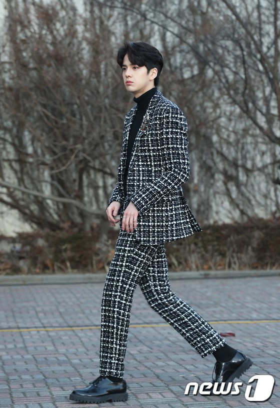 Hơn 80 sao Hàn đổ bộ thảm đỏ Gaon 2019: Tzuyu xuất sắc, nữ thần lai và mỹ nhân TWICE gây chú ý vì vòng 1 đốt mắt - Ảnh 38.
