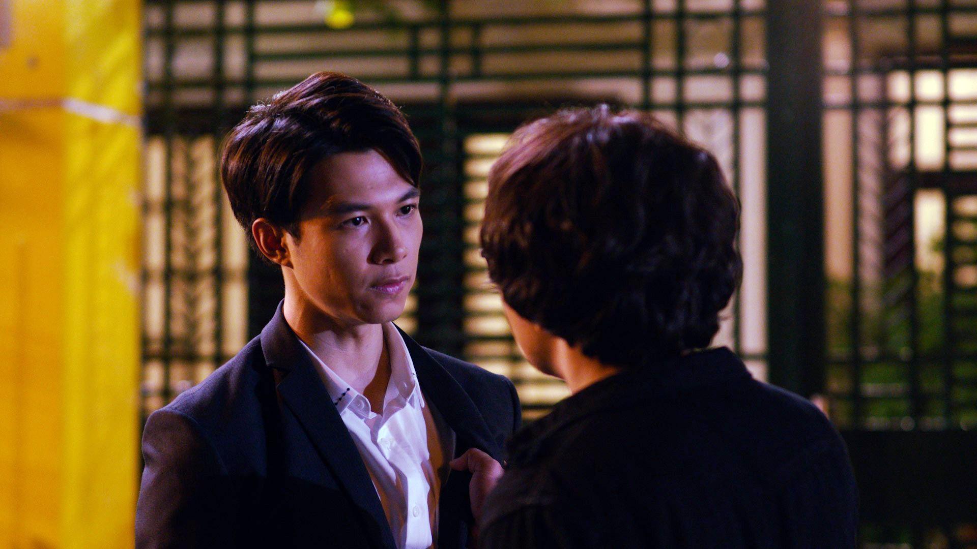 Phim Tết Cua Lại Vợ Bầu: Chàng Trọng Thoại tìm lại vợ yêu, còn Trấn Thành tìm thêm bản sắc - Ảnh 2.