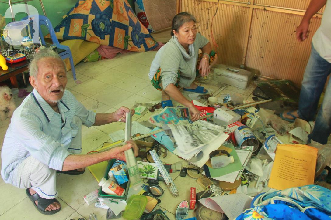 Chung cư bị nghiêng 45cm giữa trung tâm Sài Gòn, hàng trăm người dân khốn khổ chuyển nhà ngày cận Tết - Ảnh 3.