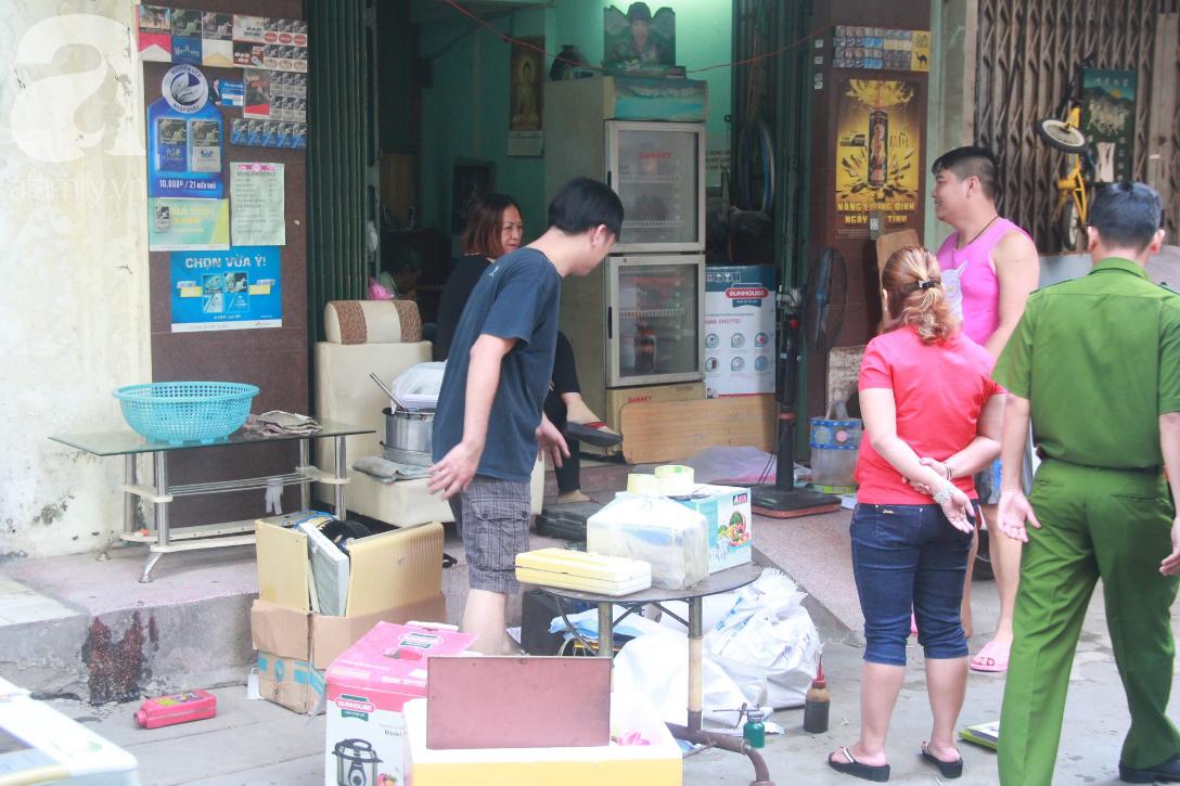 Chung cư bị nghiêng 45cm giữa trung tâm Sài Gòn, hàng trăm người dân khốn khổ chuyển nhà ngày cận Tết - Ảnh 7.